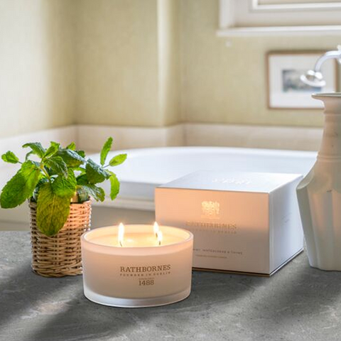 four-wick-mint-candle-inspiration-bath