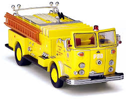 1:64 CODE 3: FIRE ENGINE LOS ANGELES FIRE DEPARTMENT