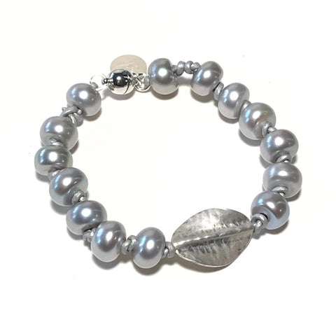 Gray Pearl & Leather Bracelet