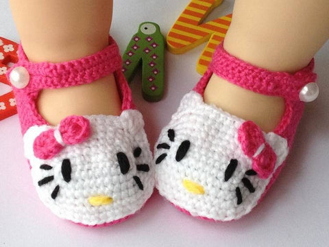 Crochet Hello Kitty Baby Shoes
