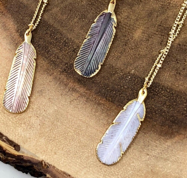 WHITE BOHO FEATHER NECKLACE