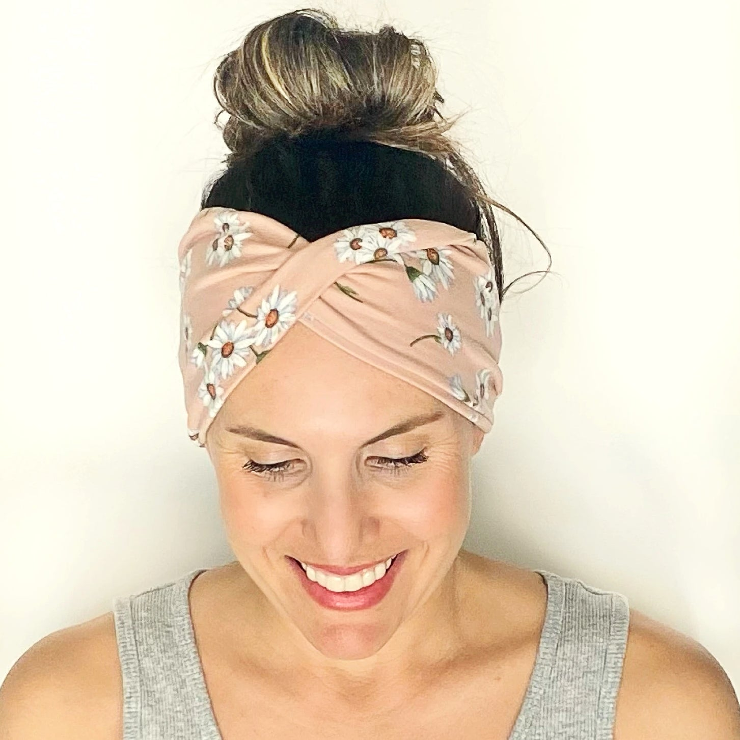 Blushing Daisy Twist Headband