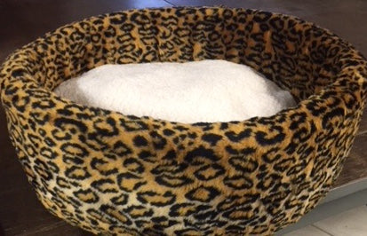 """WOOLIES"" Cat Fleece Beds - MEDIUM - Click to see several designs"