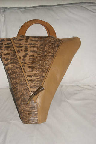 Queen Tiye creme on creme skin-handbag