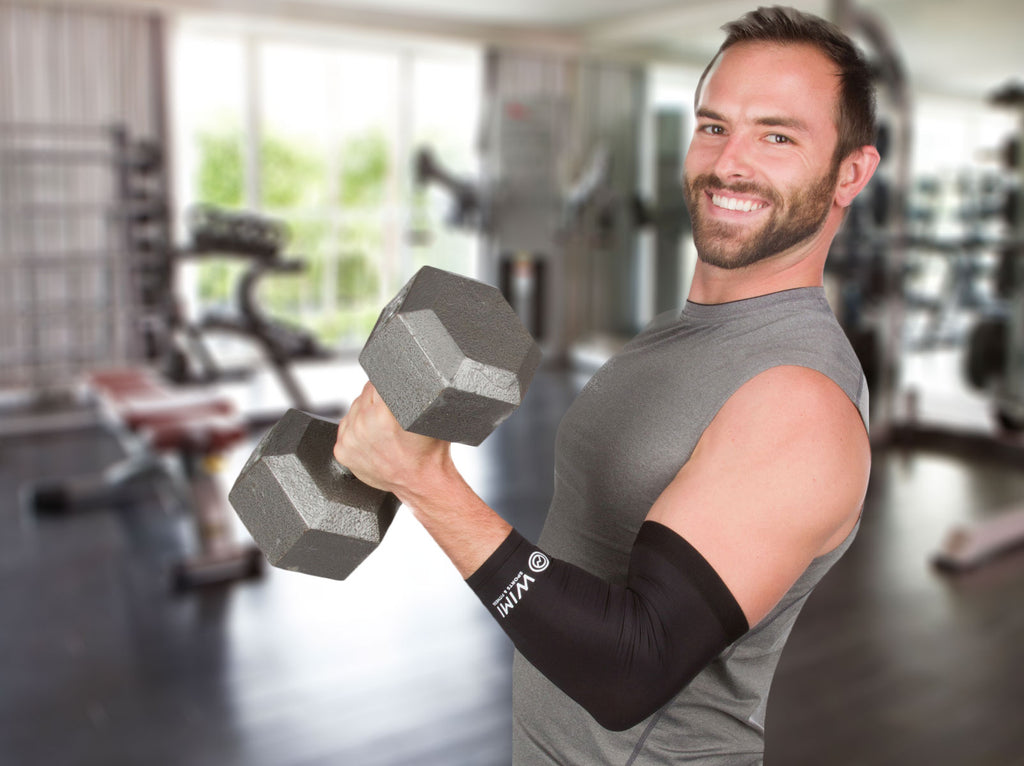tennis elbow sleeve lifting at the gym
