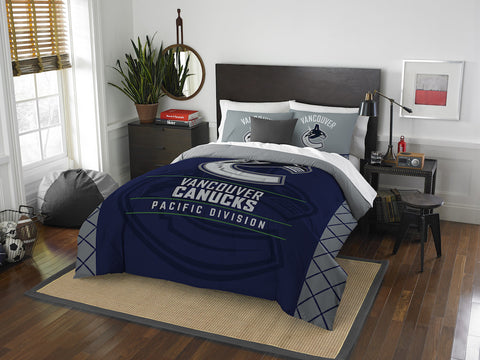Vancouver Canucks queen/full comforter and 2 shams