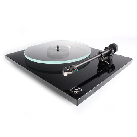REGA - Planar 2 Turntable P2 - direct audio