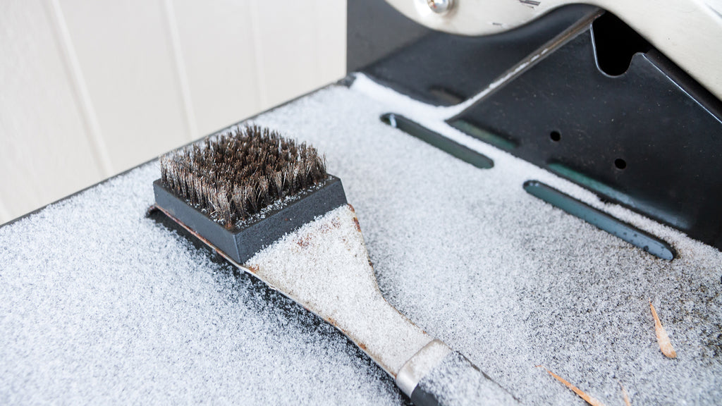 Snowy Grill Brush