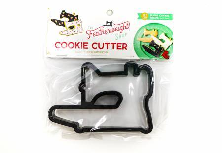 Featherweight Sewing Machine Cookie Cutter - brewstitched.com