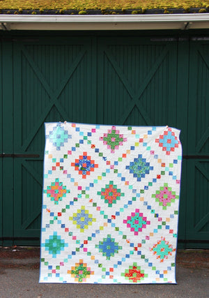 Pixel Chain Quilt Paper Pattern from Cluck Cluck Sew - brewstitched.com