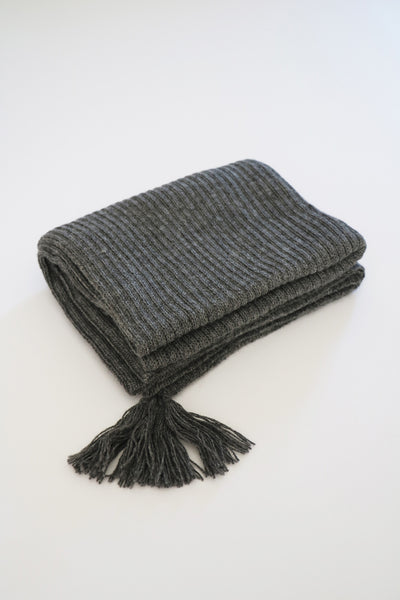 Cross-Country Scarf- Charcoal