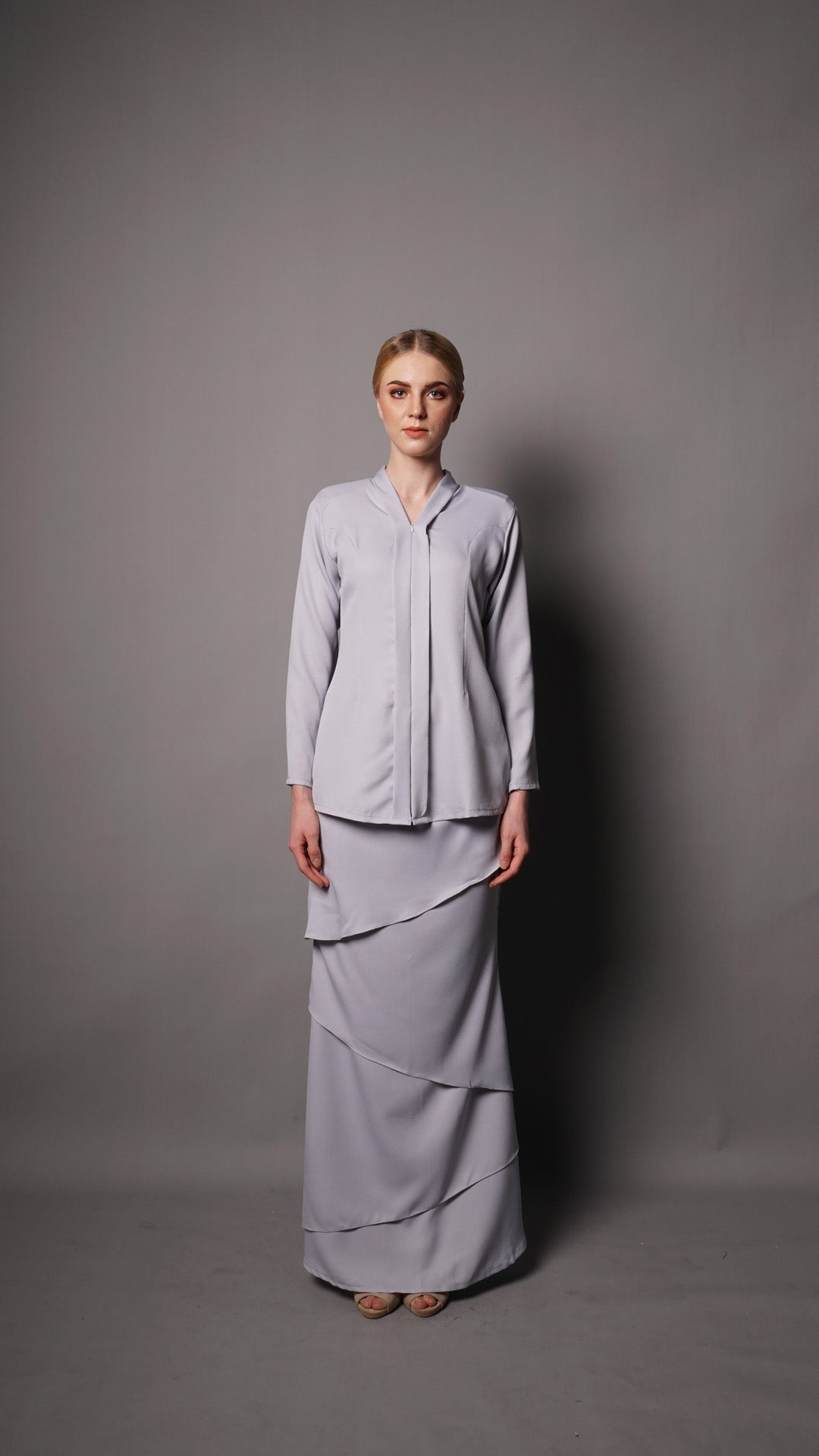 SELENA KEBAYA- LIGHT GREY