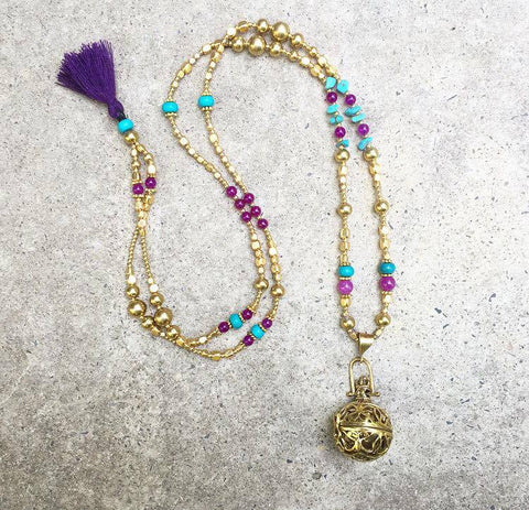 The beautiful turqouise and purple bola necklace