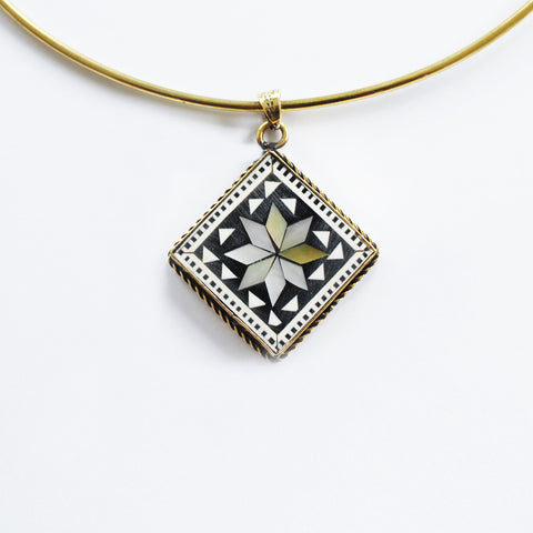 SADAF NECKLACE