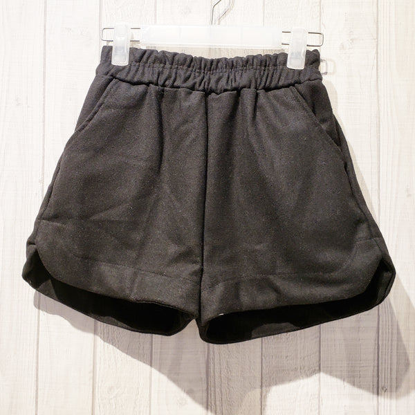 Single Tone Wide-Leg Woolen Shorts