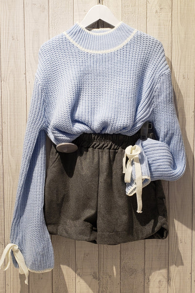 Ribbed Knit Extended Sleeve Sweater