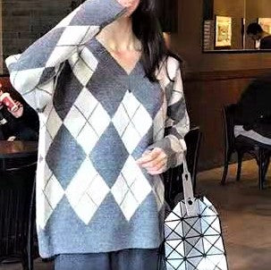 Diamond Pattern Print Sweater