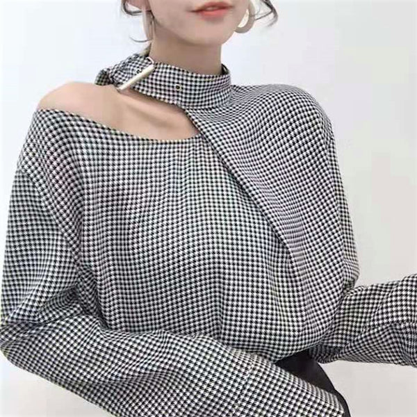 One Shoulder Extended Sleeve Front Buckled Blouse