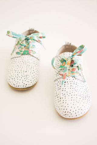 LIBERTY FABRIC SHOELACES // Made with Liberty Fabric - Betsy D (Green)