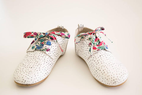 LIBERTY FABRIC SHOELACES // Made with Liberty Fabric - Poppy & Daisy N (blue-red)