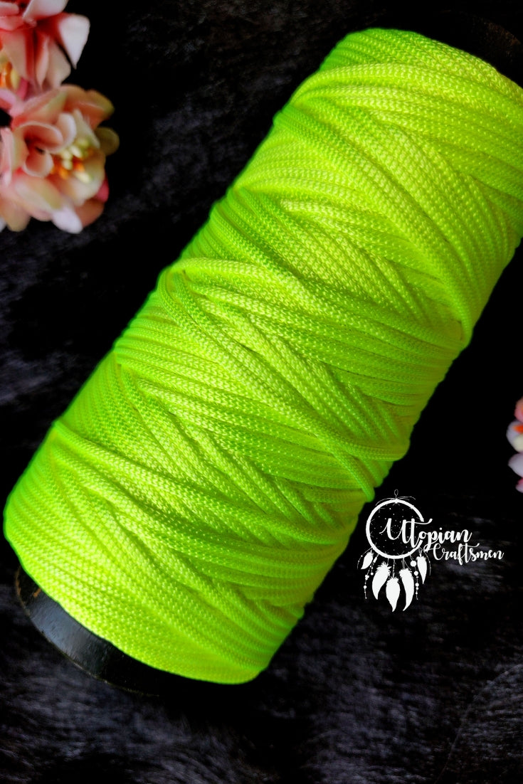 Light Neon Green Colour Cone Thread for Weaving & Knitting - Approx 125 metres. - Utopian Craftsmen