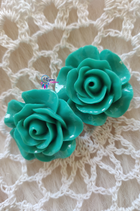 Light Shade of Green Colour Flower Shape Acrylic Beads (2 Pieces) - Size 1 inches - Utopian Craftsmen