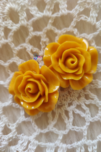 Colour Flower Shape Acrylic Beads (2 Pieces) - Size 1 inches