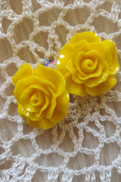 Yellow Colour Flower Shape Acrylic Beads (2 Pieces) - Size 1 inches
