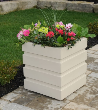 "Mayne - Freeport Patio Planter 18"" x 18"" - White"