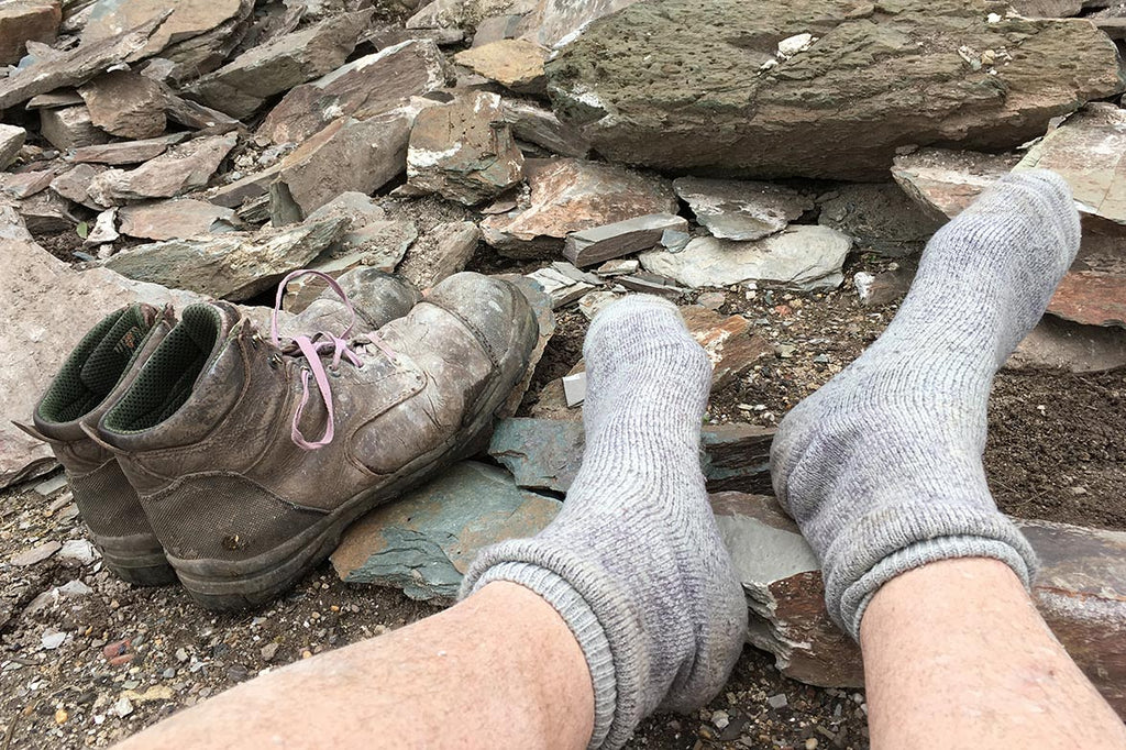 happy hiking socks get thumbs up