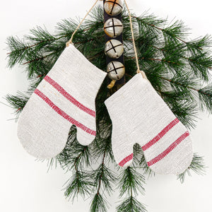 Antique Grain Sack Linen Mittens - beautiful additions to your rustic country Christmas décor