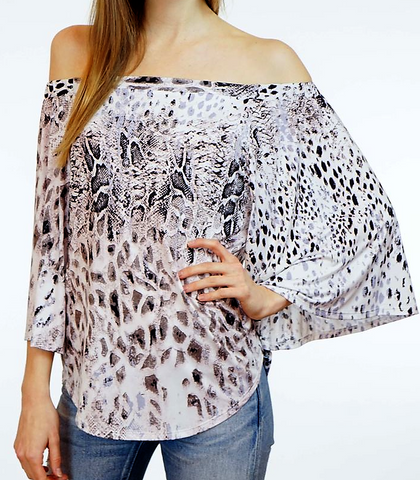 Roar for me top by Veronica M
