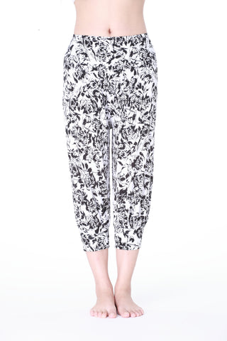 Black White Rose Floral  Printed Capri Pants