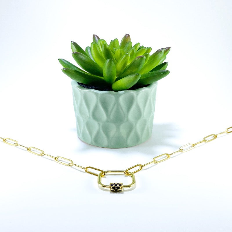 Square lock gold link necklace