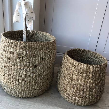Medium seagrass barrel basket