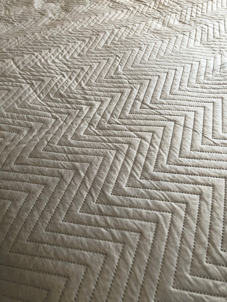 Light grey quilted bedspread throw king double 230cm by 200cm