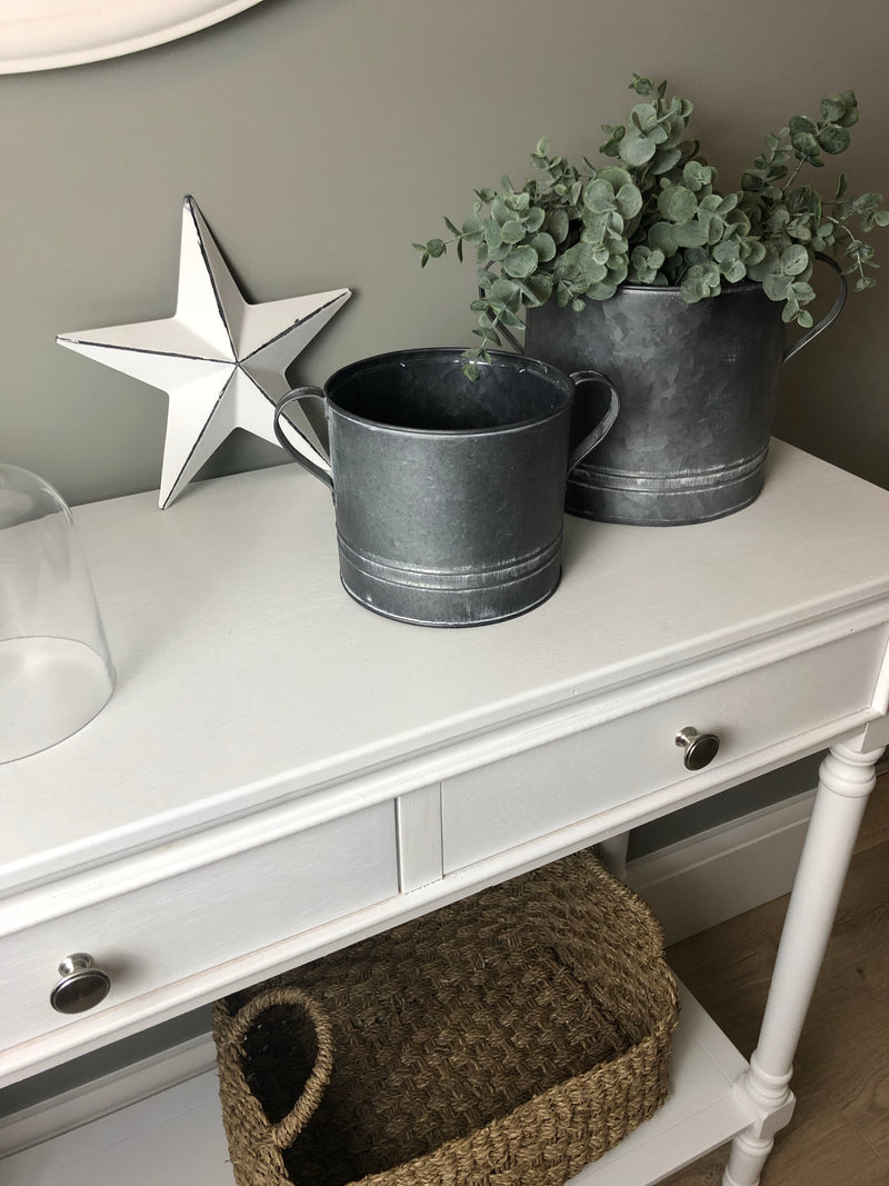 Medium Round metal planter with ear handles