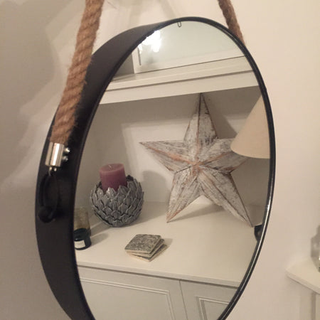 Round metal mirror with rope handle
