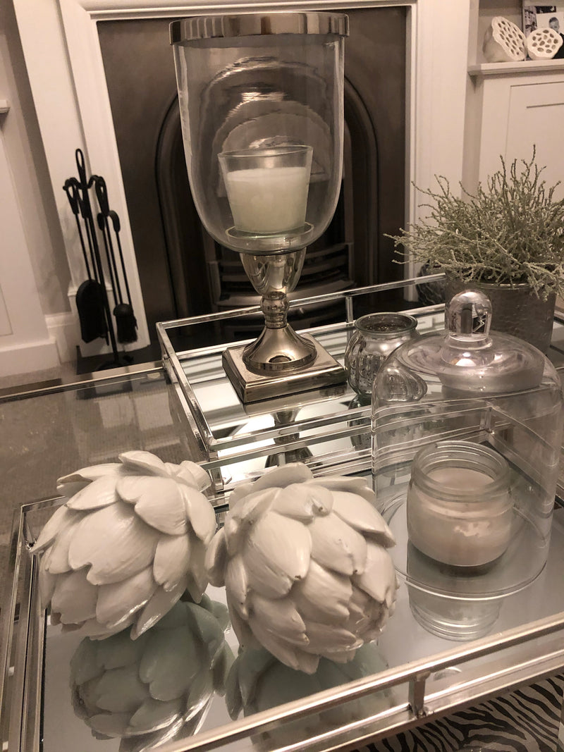 White artichoke decoration