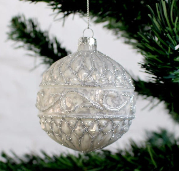 Embossed pearl glass bauble