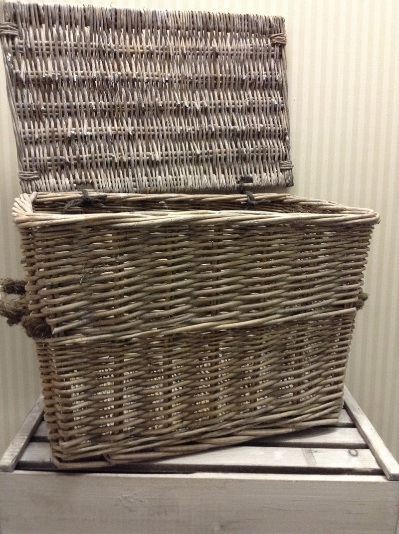 Large woven willow wicker lidded basket trunk