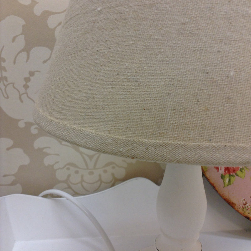 Small white table lamp Cyrene