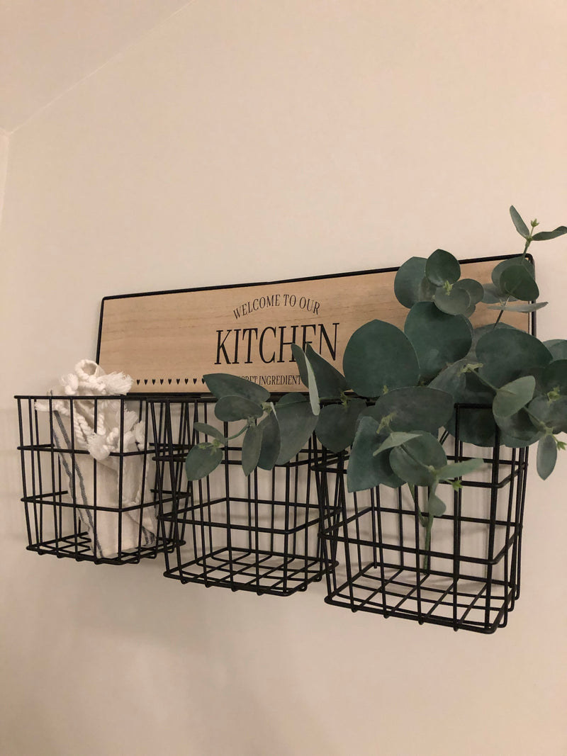 Kitchen storage wire rack 46cm by 25cm