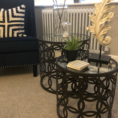 Medium black geometric metal round side table