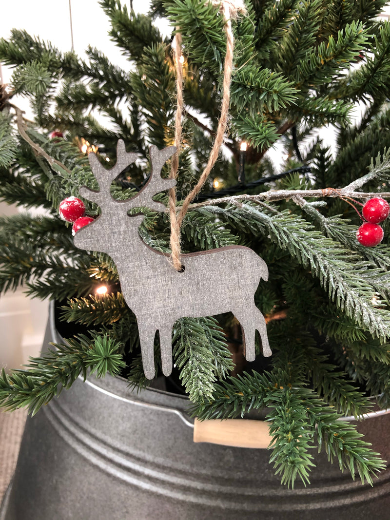 Mixed style wooden reindeer