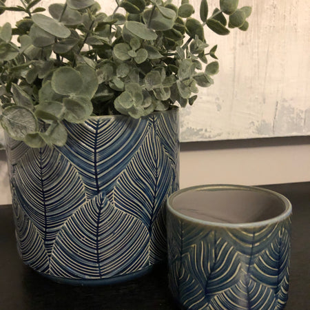 Small Navy Leaf pot planter