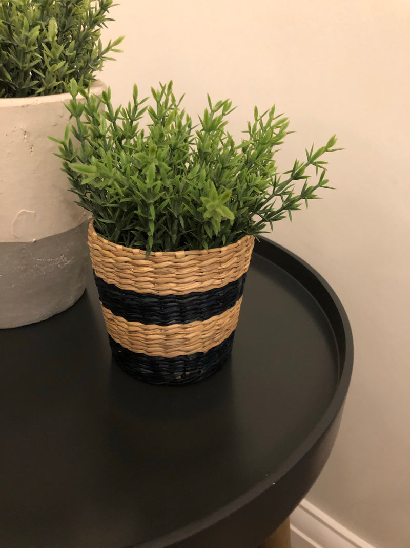 Black/Natural woven pot mixed