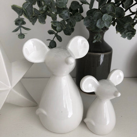 Store seconds medium white ceramic mouse