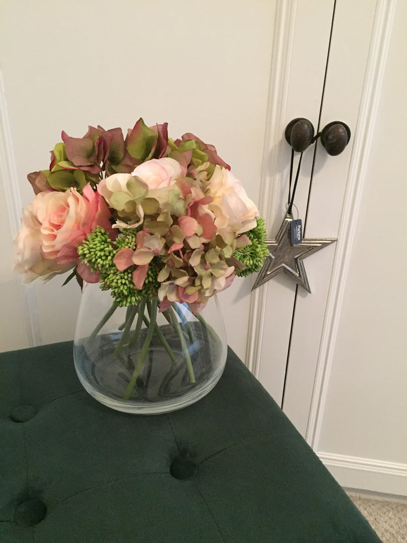 Mixed bouquet in vase