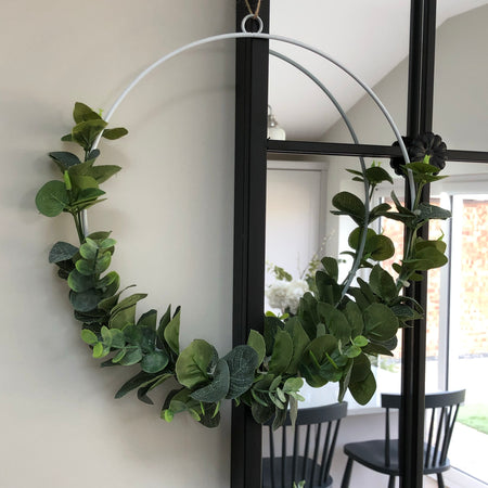 Eucalyptus round wire wreath 21cm